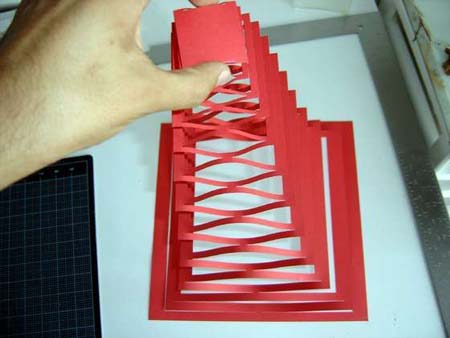 how to make a big pyramid out of paper